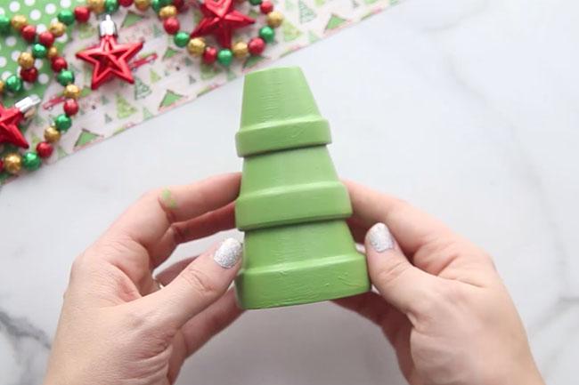 Glue Terracotta pots together