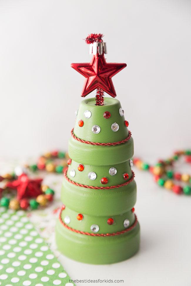 Terracotta Christmas tree pipe cleaner star