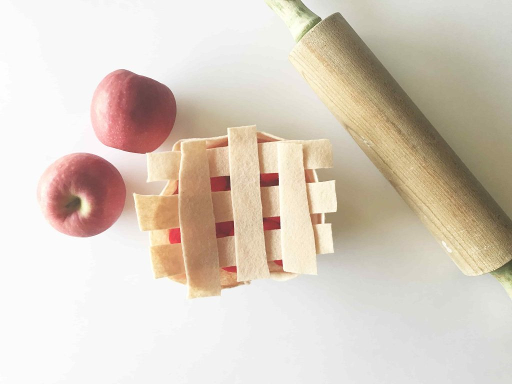 Felt Apple Pie Craft
