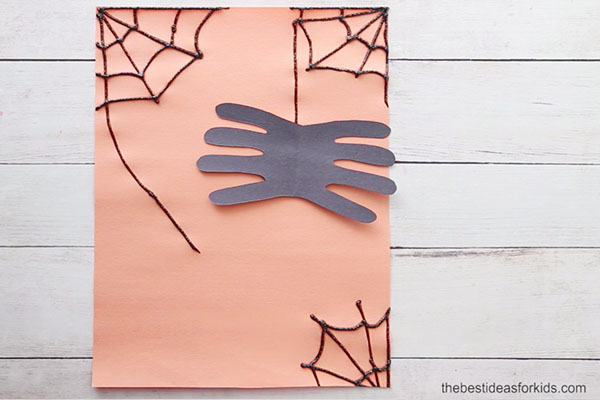 Glue on Spider Handprint