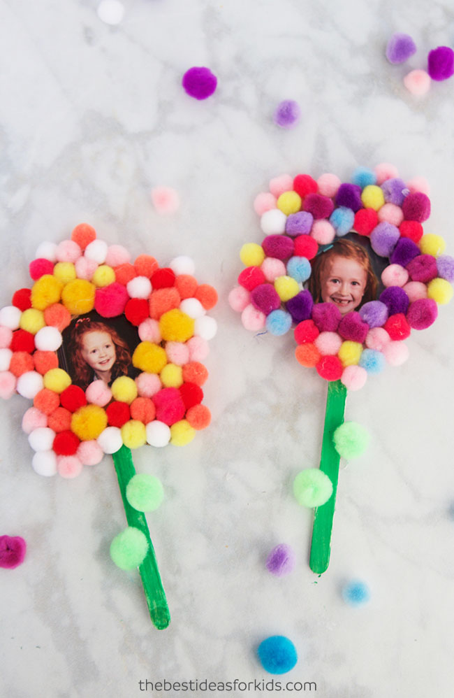 Pom Pom Flower Craft for Mother's Day