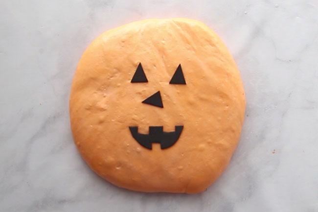 Jack-o-lantern pumpkin slime