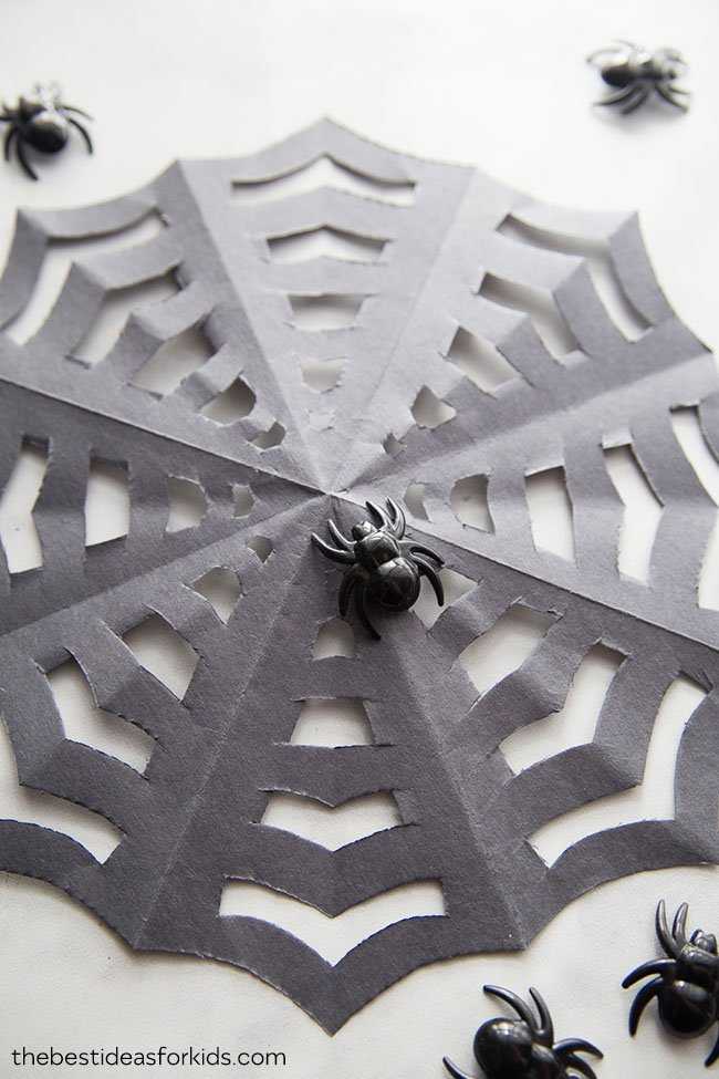 how to make a spiderweb out of paper