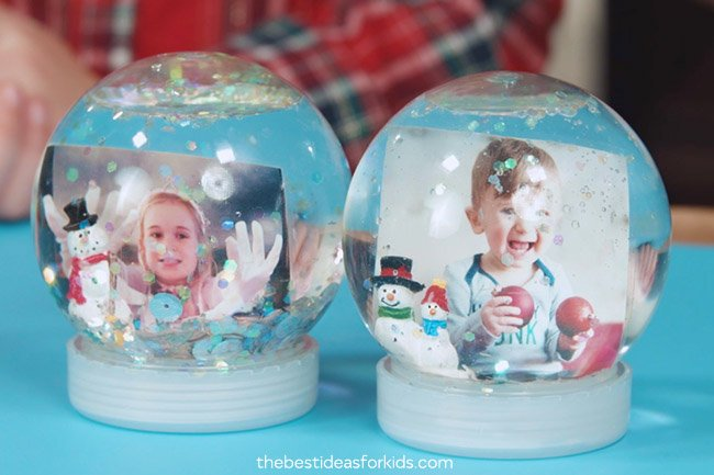 How to Make a DIY Snow Globe