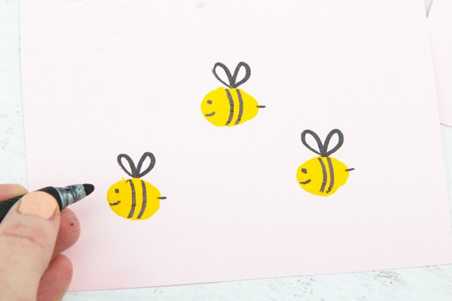 Draw Fingerprint Bee
