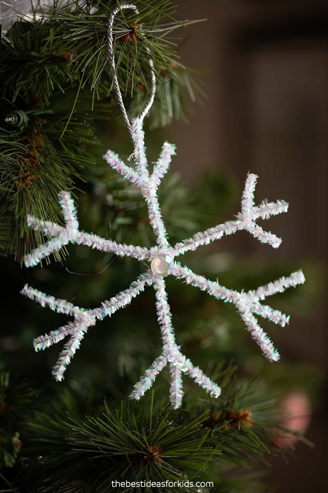 Pipe Cleaner Snowflake Ornaments
