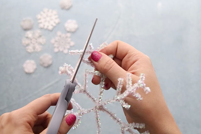 Trim Pipe Cleaners for Snowflakes