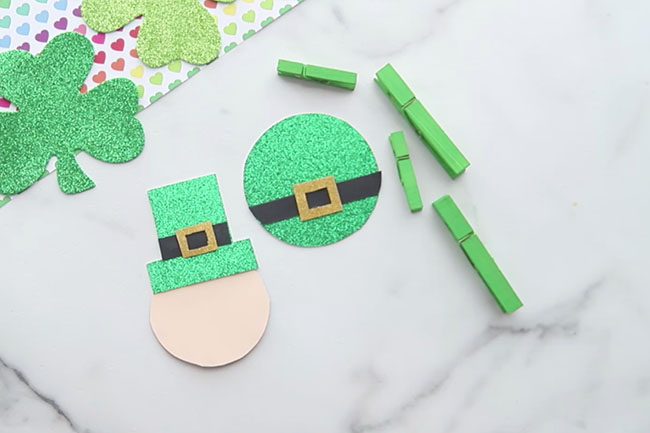 Make the leprechaun hat craft